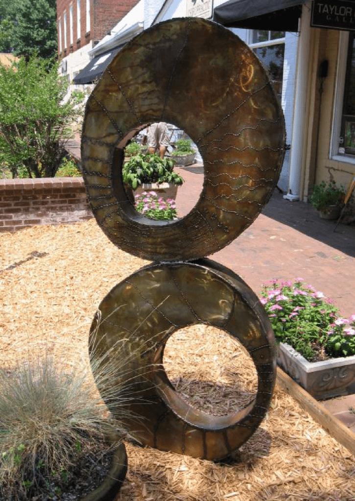 Taylor Kinzel Gallery Sculpture By Derrick Spivey, c. 2003